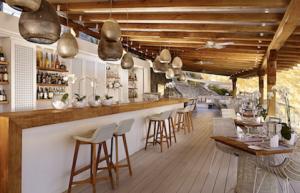 Exklusive und ausgefallene Möbel für die Beachbar