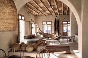 Rustic decoration for hotels - Koyo Interior