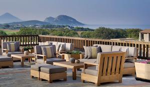 Decoración con madera de teca para hoteles